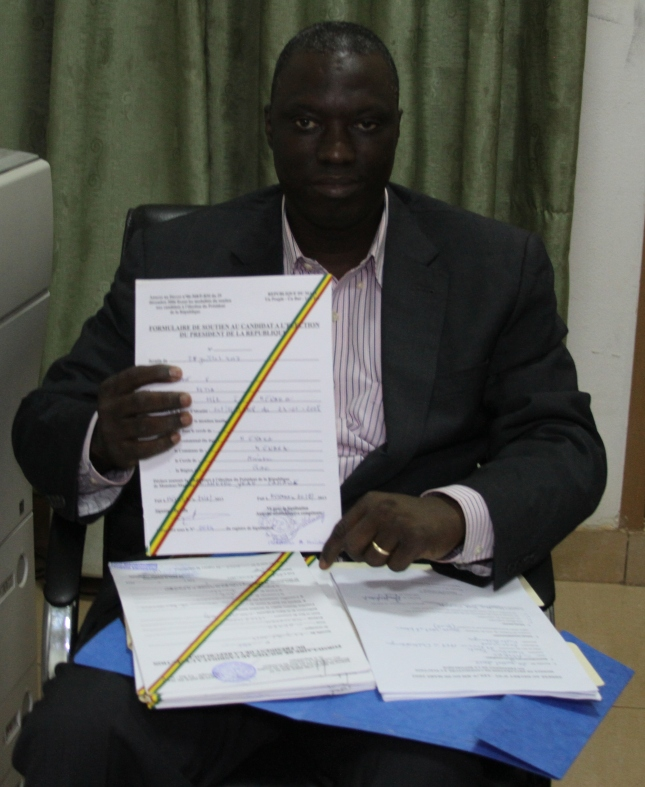 Getting ready to submit the sponsorship signatures to the Malian Constitutional Court