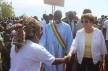Welcoming Ambassador Mary Beth Leonard to Ouelessebougou.