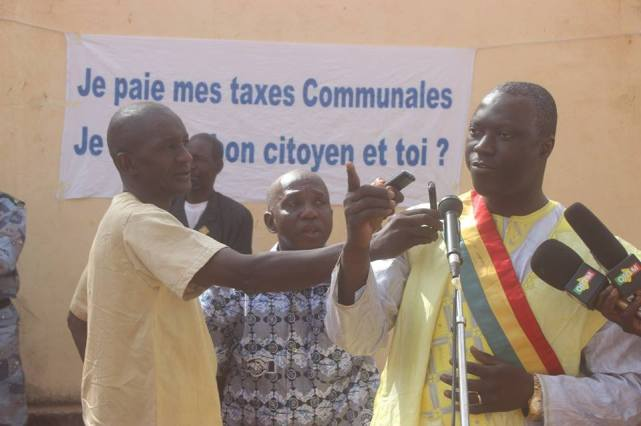 Mayor Yeah Samake expresses his gratitude to the people of Ouelessebougou for helping making the city a great city