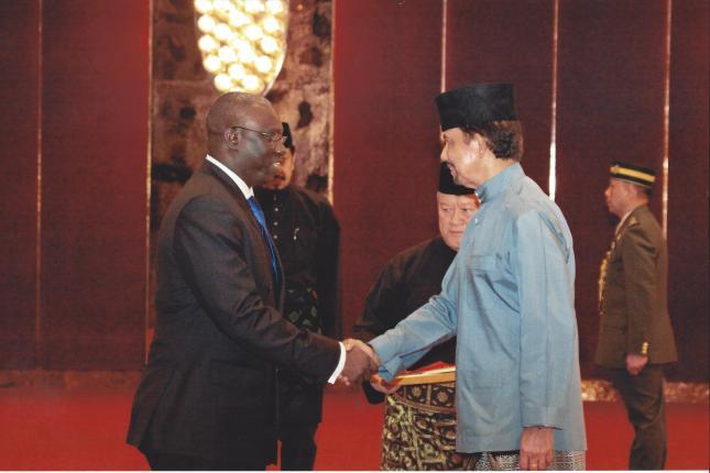 Yeah presented his credentials to the Sultan of Brunei, His Majesty Haji Hassanal Bolkiah Mu'izzaddin Wad'daulah